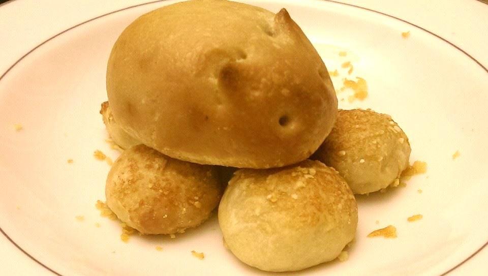 Fun with bread stuffed rabbits and garlic dough balls for Dough balls for fishing