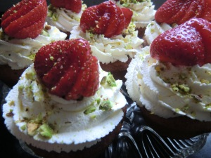 Cardamom Cupcakes with Strawberry and Pistachios