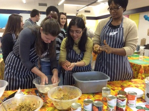 Cracking Good Food: Sustainable Food and Community Cooking (4/5)
